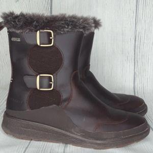 Women's Merrell Boots, size 9
